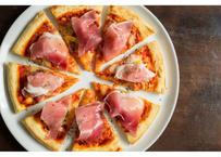 【MIRAI restaurant&cafe】生ハムとモッツァレラチーズのピザ (23cm)