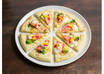 【MIRAI restaurant&cafe】サーモンとカマンベールチーズのピザ (23cm)