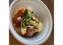 【cafe SOURCE】イタリア産ドルチェポルコ豚のチリマヨ丼