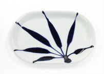 楕円皿 草文