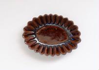 鉄釉楕円輪花マメ鉢