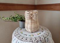 flower vase  B