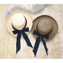 リボン付き帽子
