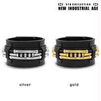 LAYERED TUBE leather bracelet