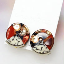 Button earrings ボタンイヤリング/3トーン・スパンコール入り×レンガ×ジオメトリック