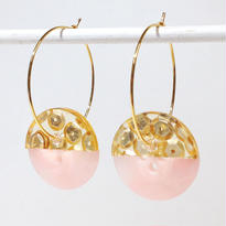 Button pierced earrings ボタンピアス/フープ・2トーン・金スパンコール×ピンクマーブル