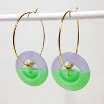 Button pierced earrings ボタンピアス/フープ・2トーン・パープル系×黄緑