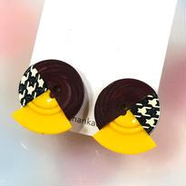 Button earrings ボタンイヤリング/3トーン・エンジ×千鳥格子×イエロー