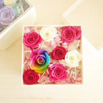 "LUXURY BOX ""ecrin PINK bijou"" イニシャル入り☆レインボーローズのフラワーボックス"