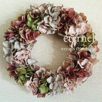 grayish-pink wreath  φ25