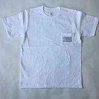 「GOSSTTE TAPE ANALOGAUDIO」ロゴTシャツ(ホワイト)