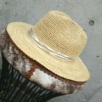 [ヨーロッパでも人気!]IVAHONAイヴァオナ 帽子 中折れ帽子 ハット シルバー ゴールド ラフィア素材 マダガスカル