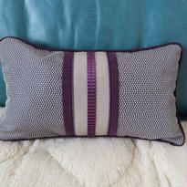 Bi's Japanese Giftsオリジナルミニクッション、紫