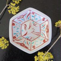 九谷焼小皿  鶴、 赤地 径