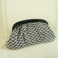 手織物クラッチバッグ Alexis (黒)、trois temps