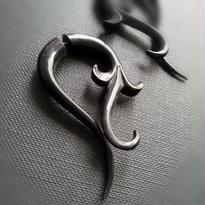 送料無料 トライバルピアス 1ペア フェイクゲージ/horn ivy ≪F065≫