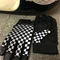 B.W.G REFLECTOR CHECKER GLOVE