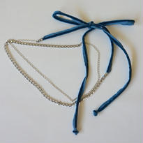 チェーンとベロアのチョーカーネックレス blue