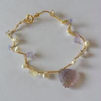 金糸ブレスレット  眠る貝2