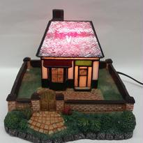 ステンドランプ 赤い屋根の家