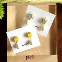 スワロフスキーパールの小花《ピアス/イヤリング》