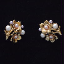 Crown TRIFARI /クラウントリファリ パールとお花のイヤリング D