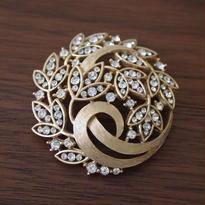 Crown TRIFARI クラウントリファリ /木の葉と透かし細工のヴィンテージブローチ