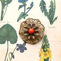 真鍮のアンティークお花ブローチ