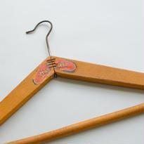 ビンテージ木製ハンガーA