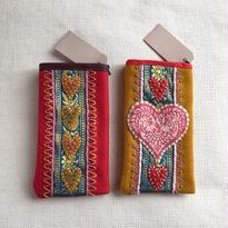 Karin Derland_Embroidery mobile phone case (2色)