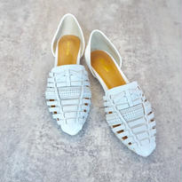 LATHER DESIGN FLAT SHOES