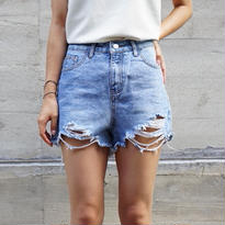 DAMAGE SHORT DENIM