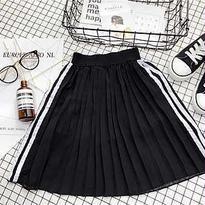 kids☻サイドライン入プリーツロング丈スカート ブラック