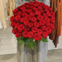 100本の薔薇 (※お届けに3~5日かかります)