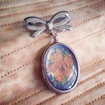 Vintage Brooch「花とリボン」