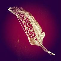 Brooch  金の羽