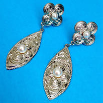 Vintage Earring「4花弁の花と葉雫」