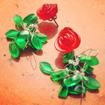 Vintage Pierce  透けるバラの花