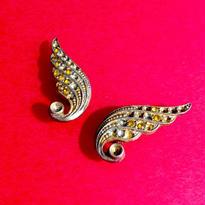 Vintage Earring「まばらラインストーンの翼」