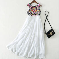 新作♡ ロングワンピース エスニック 刺繍ドレス ビジュー 大きいサイズ有り