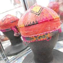 ウズベキスタン ウズベク族UZBEK WOMEN'S CAP35 刺繍女性用帽子51h12cm