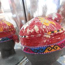 ウズベキスタン ウズベク族UZBEK WOMEN'S CAP53 刺繍女性用帽子52h11cm