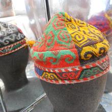 ウズベキスタン ウズベク族UZBEK WOMEN'S CAP50 刺繍女性用帽子51h10cm