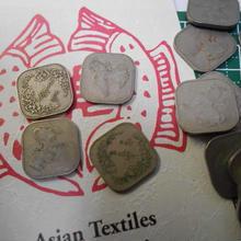 四角い ミャンマー ビルマコイン 1チャット一辺2cm 2枚