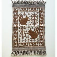 ヤノフ村の織物 タペストリー 森の中のリス(42×60cm) #1950
