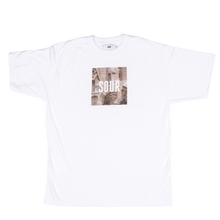 SOUR SOLUTION  SAGRADA PHOTO TEE WHITE