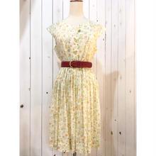 1960s vintage ホワイト×オレンジ系 小花柄 ワンピース/古着 ビンテージ