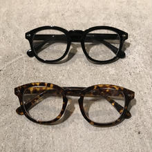 Glasses 0004《Type Wellington》