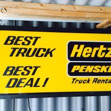 hertz penske ライトupサイン