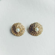 used  flower パール earring